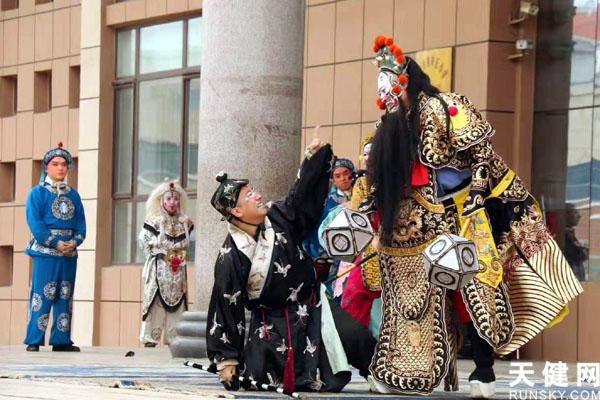 大连市戏曲进校园活动走进海岛小学 传统文化从学生熏陶